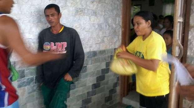 Food for evacuees in Balaring
