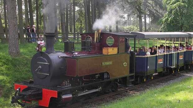 steam train whipsnade zoo