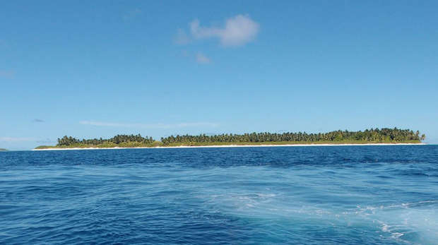 Blue oceans surrounding the chagos islands